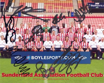 Sunderland FC multi-signed 2009-10 first team squad 10x8 inch photo.